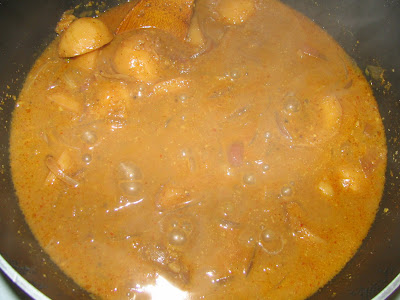 Aloo Vindaloo, in its final stages...