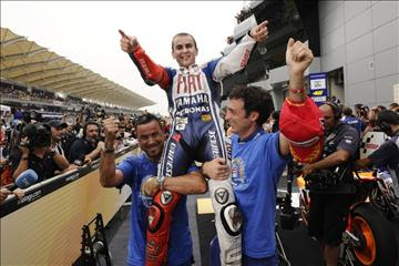 New champion Jorge Lorenzo returns home