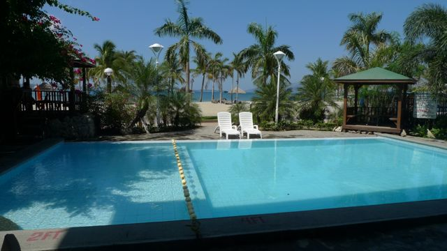 The island explorer subic park hotel for Subic resorts with swimming pool