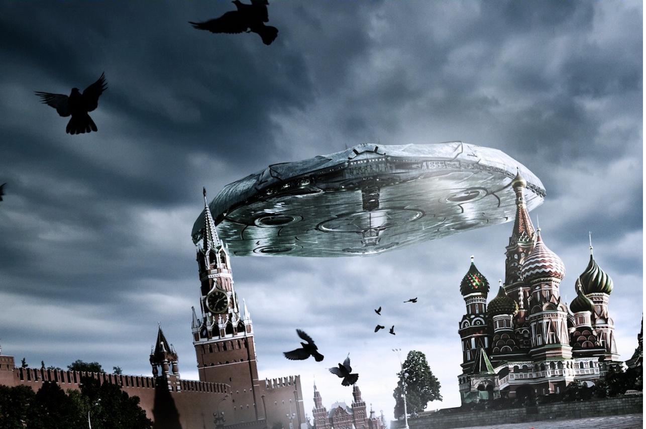 http://1.bp.blogspot.com/_r705UcHLpOQ/TTbU4ujOD8I/AAAAAAAANaQ/M0lLGYvMCH8/s1600/Funny_wallpapers_UFO_in_Moscow_018885_.jpg