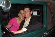 Wagner com a sua esposa Simone Fernandes, em Santos - SP