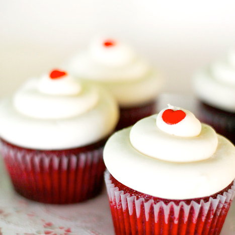 ... on pretty strawberry red velvet cupcakes photo red velvet cupcakes