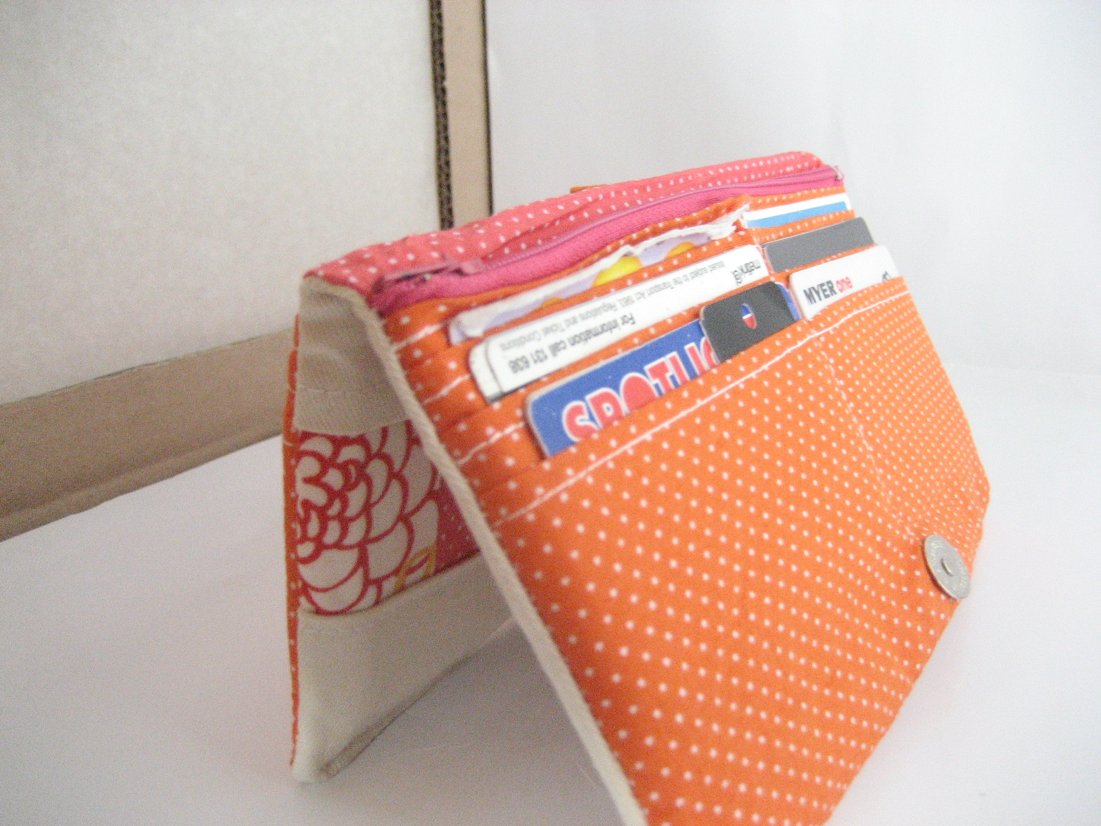Patchwork y bifold wallet tutorial all wrapped up patchwork y bifold wallet tutorial jeuxipadfo Image collections