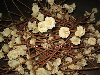Kerajinan Bunga Kering Buatan Tanganmu Sendiri: mawar jagung sedang