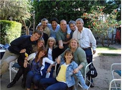 Georgie, con amigos del cole