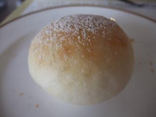 ベーカリーレストランサンマルク 高槻店の白パン