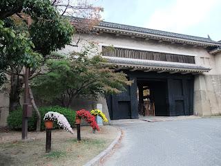 大阪城の菊花展の菊鉢