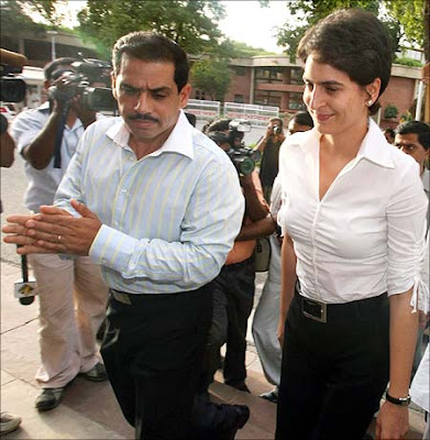 Priyanka Gandhi spotted with Robert Vadra
