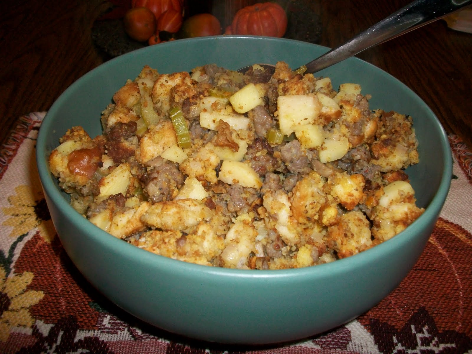 Cook with Sara: Thanksgiving Series: Cornbread and Apple Stuffing