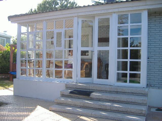 Ventanales modernos exterior ventanas ventana s lida en for Casa minimalista tarragona