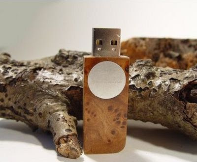 Wooden natural USB flash drive