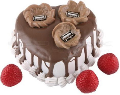 Strawberry cake Hub USB with USB berries