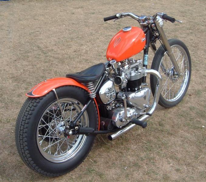 hellboy biker bobber 31 10 10. Black Bedroom Furniture Sets. Home Design Ideas