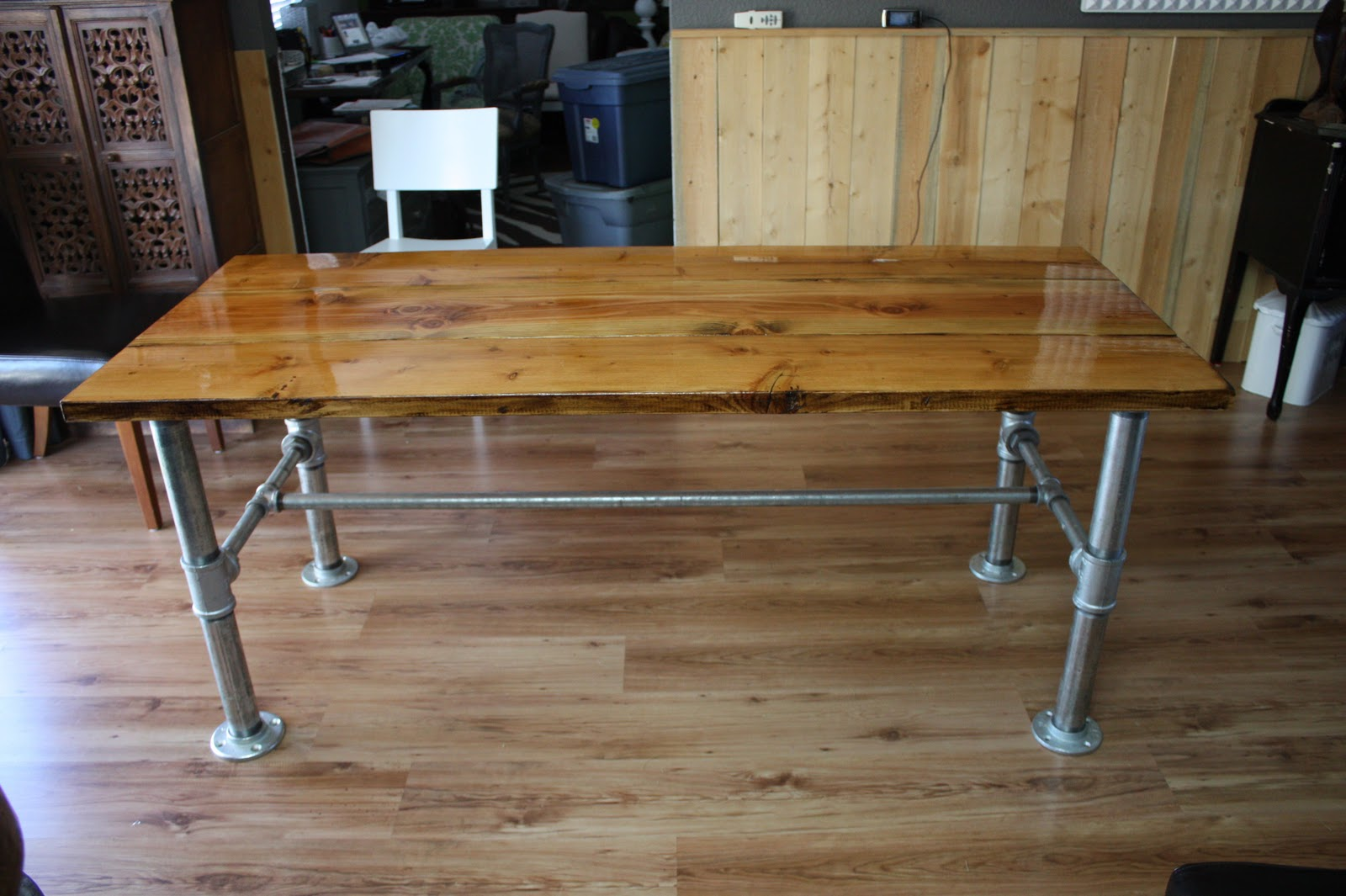 Design Stocker Industrial Farm Table
