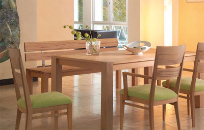 artistic-wooden-dining-table