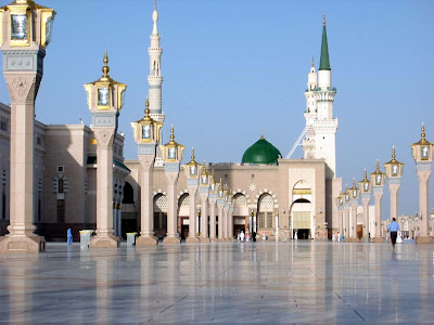 Nabawi-mosque-Combination-ultra-modern-architecture-and-Arabic-architecture