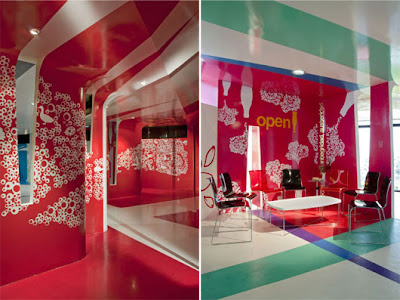 Red-white-meeting-room-interior-design
