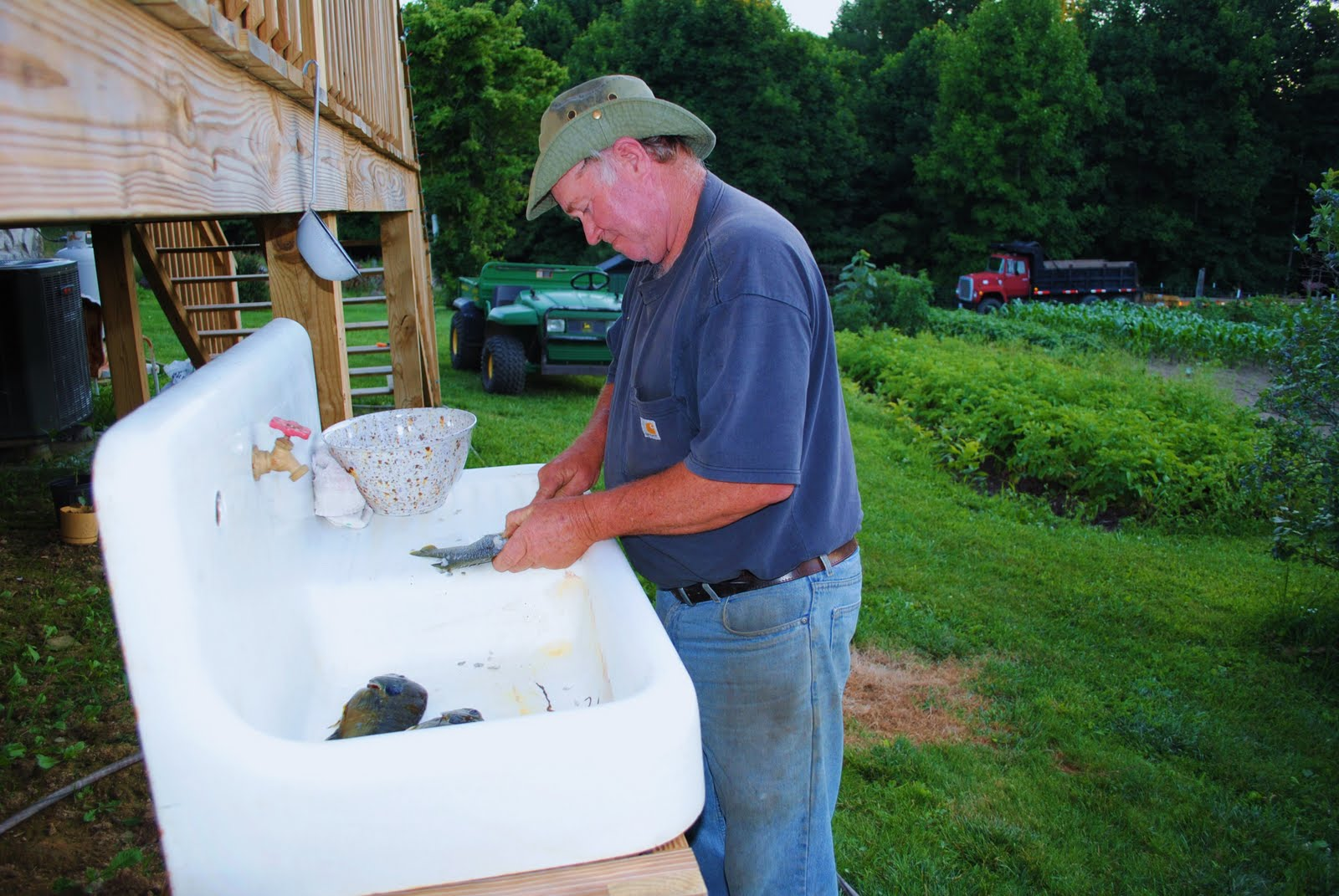 garden of about sink camping and sinks outdoor x diy gardens lowes photo att inspirations lovely