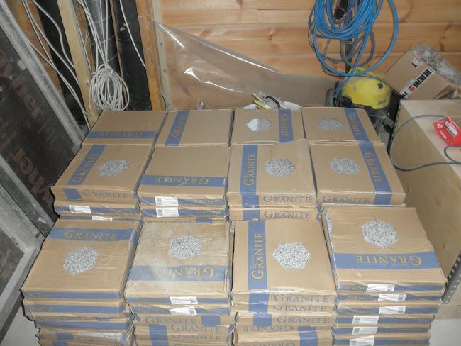 Tässä on meidän lattia paketissa