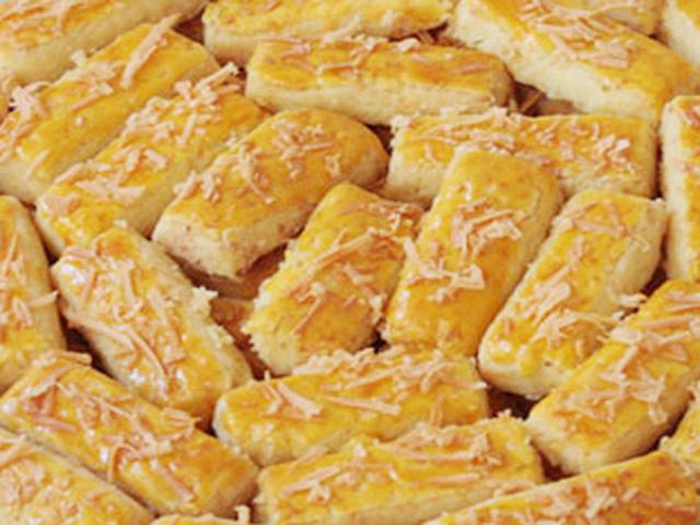 kastengel atau kue keju adalah kue istimewa dengan cita rasa gurih dan ...