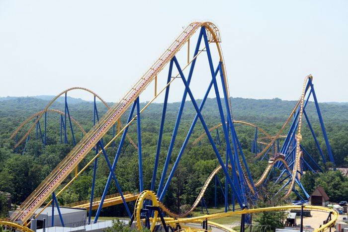 Kingda Ka Six Flags >> Fun Safari: White Cyclone Huge Scary Roller Coaster in Japan