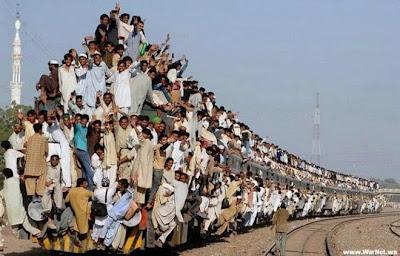trem lotado, e não é em São Paulo