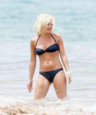 Elisha hot bikini