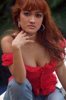 foto gambar hot sexy seputar artis indonesia, Julia Perez telanjang