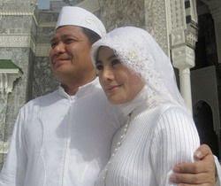 foto seputar artis indonesia, cici paramida rebut suami orang