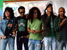 group music slank dengan para slanker mania indonesian hotels and travelling tour singer and conser konser besar kaka slank bimbim dan personel ungu st12 the cangcuter padi gigi krisdayanti anti terorris international hijau daun with girl student high school loan purchase car online with insurance loan beach hotels at united states of america in new york alabama colorado massachuset and hawaii hotels five star