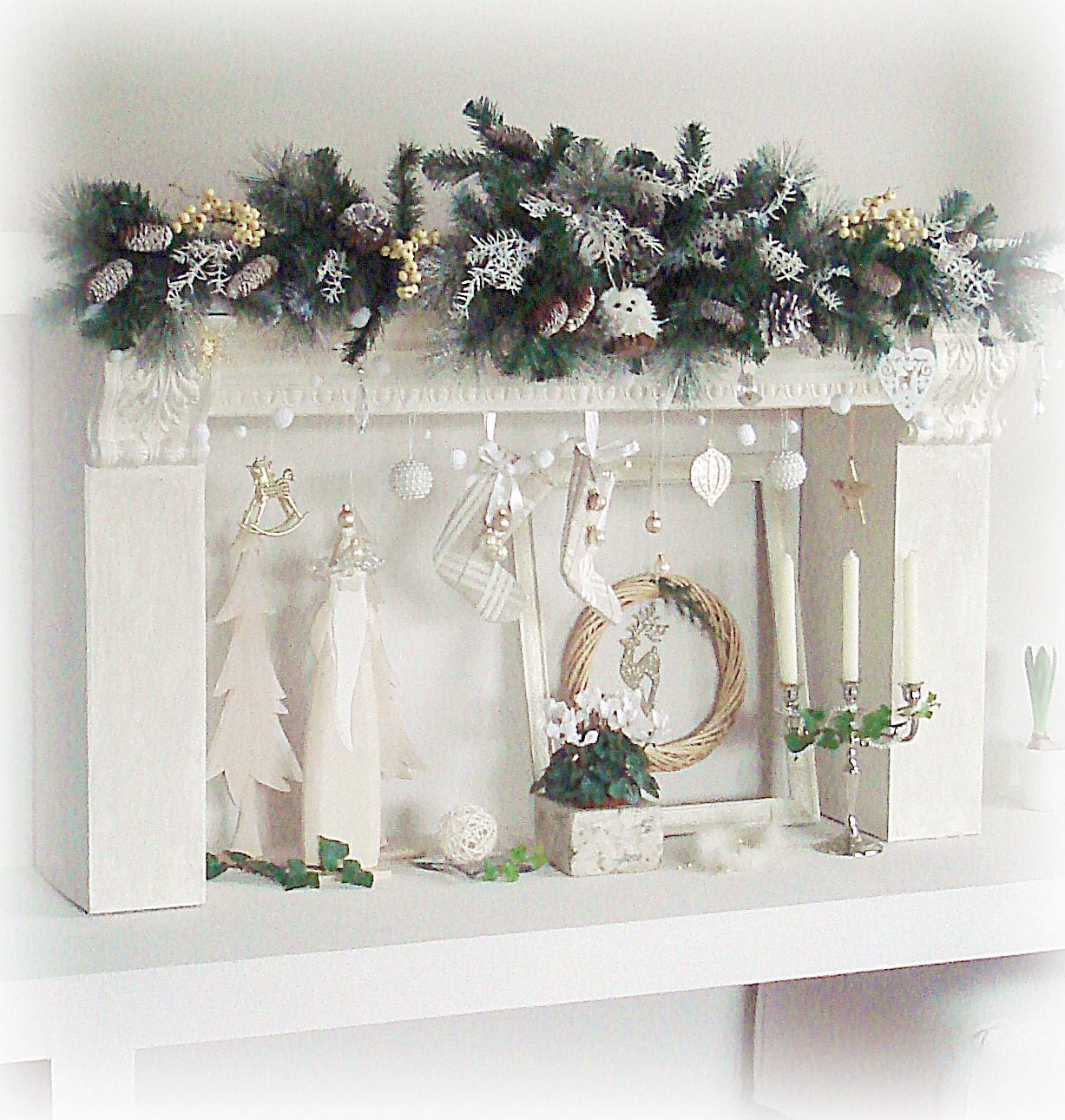 Mami G.: my christmas {fake} fireplace