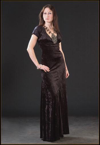 [backless-velvet_dress.jpg]