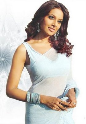 Bipasha Basu in Saree Photos