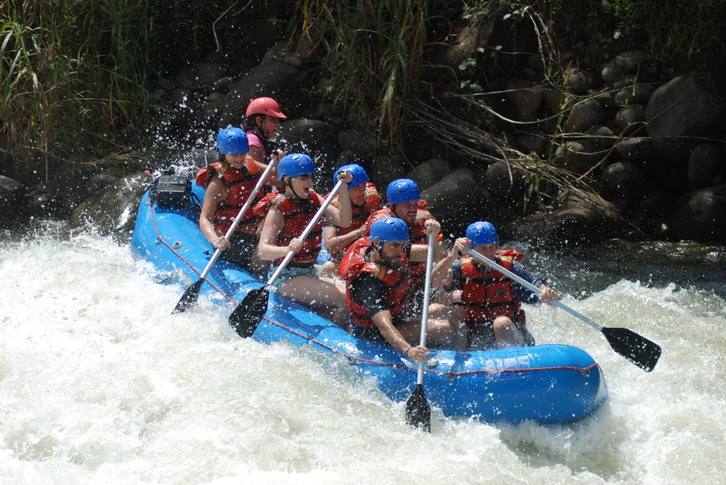 [09-3-13+Costa+Rica-+white+water+rafting+065.jpg]