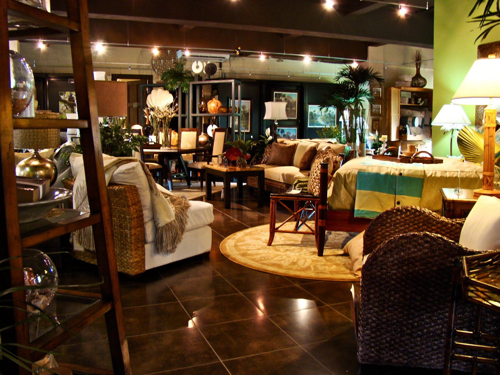 Tamarindo costa rica daily photo furniture store for Furniture depot