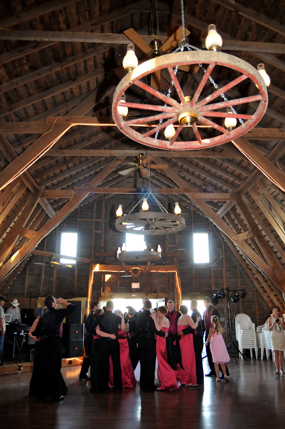 how to have a barn dance party
