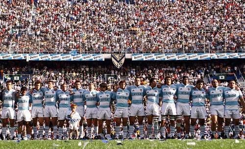 Dentro de una cancha de Rugby no existen los amigos. Enfrente contrincantes, a tu lado HERMANOS.