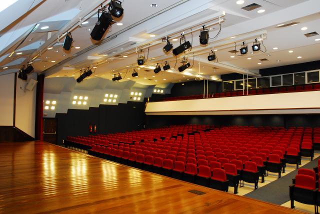 Teatro Sin Isaac Newton