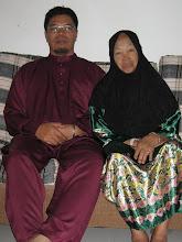 bersama bonda tersayang,Hjh Ramlah Binti Hasan
