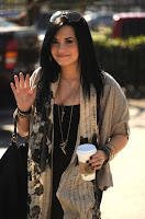 Demi Lovato potins peoples