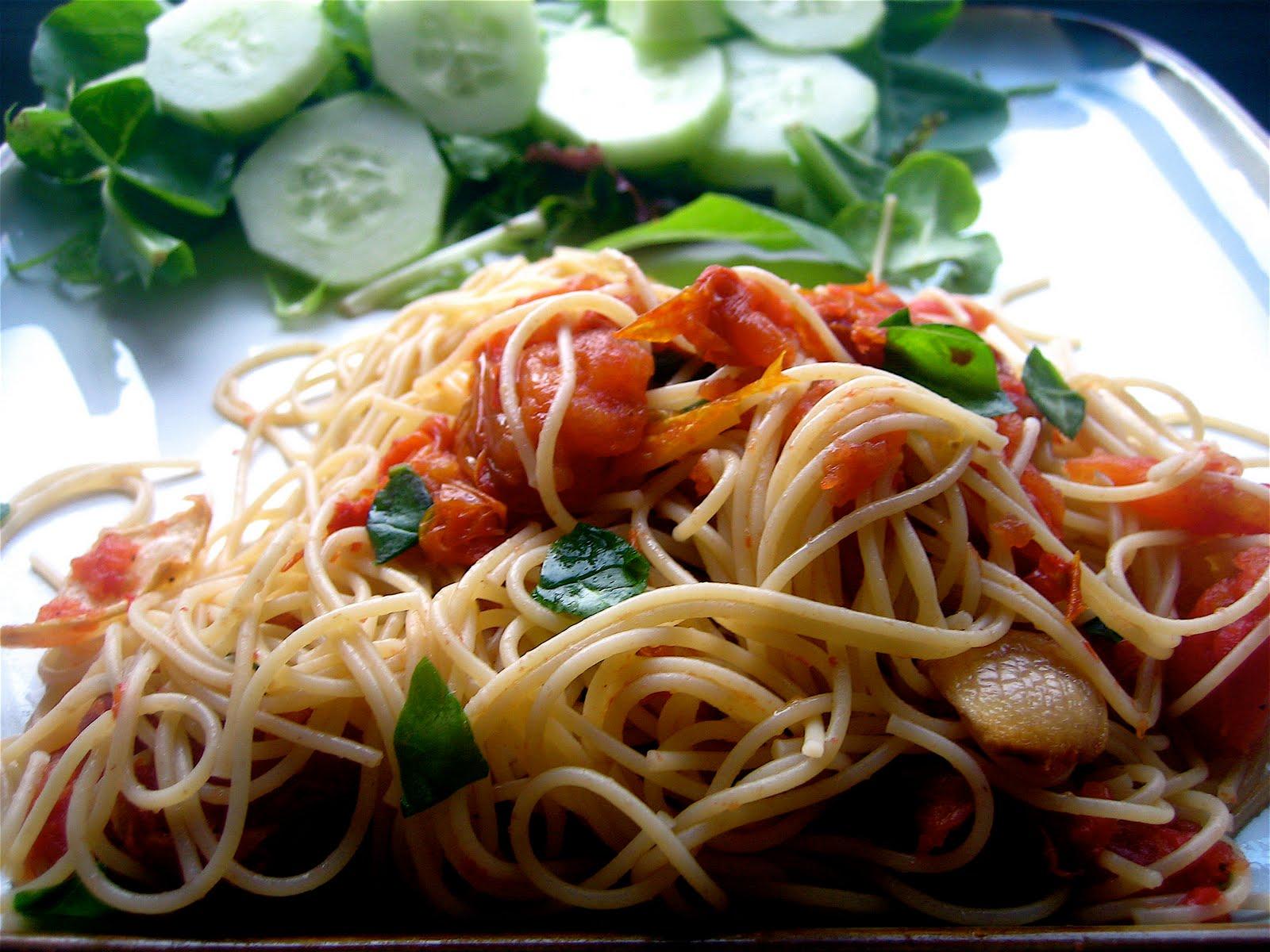 "Stephanie Cooks: Slow Roasted Tomato ""Sauce"""