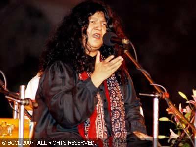 Download Ishq Nachaya Sona Mohapatra mp3 song Belongs To Hindi Music