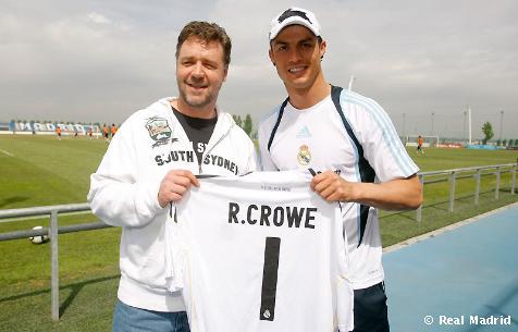 Famous Real Madrid fans Russell_Crowe_visita_Valdebebas