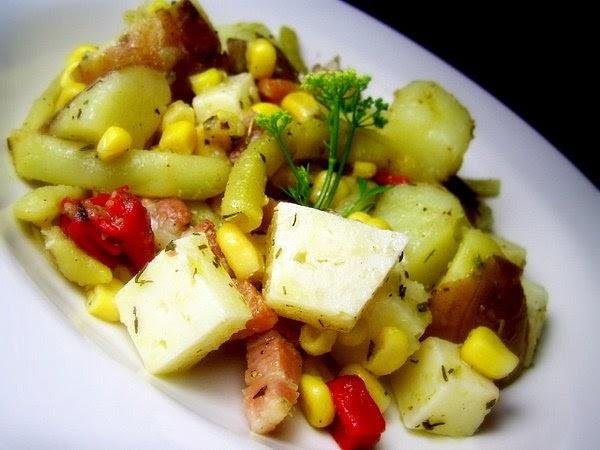 tasca da elvira salade de pommes de terre et haricots verts au bacon. Black Bedroom Furniture Sets. Home Design Ideas