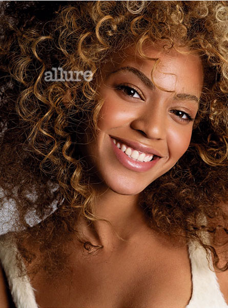 ~Beyonces Photo Shoot Spotlight~. Posted by Eva at 7:07 PM