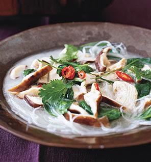 Food : Chicken Coconut Soup ( Tom Kha Kai )