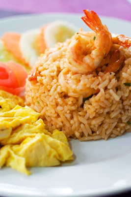 Food : Fried Rice with Shrimp Paste with Soya Bean Oil ( Kao Pad Man Kung )