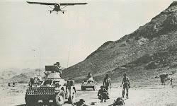 الجيش البريطاني في مطار الوعرة بالضالع جبل السوداء على اليمنين مشرف على مطار الوعرة