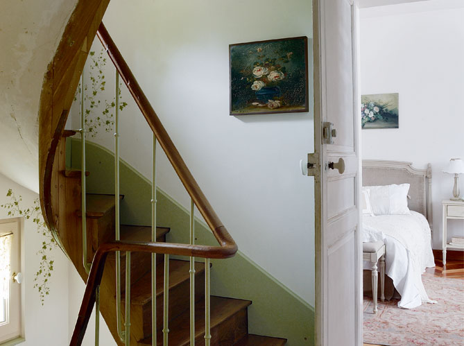 Ticking and toile farmhouse love in france - Couleur pour cage d escalier ...