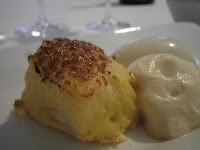 Torrijas al horno con helado de vainilla